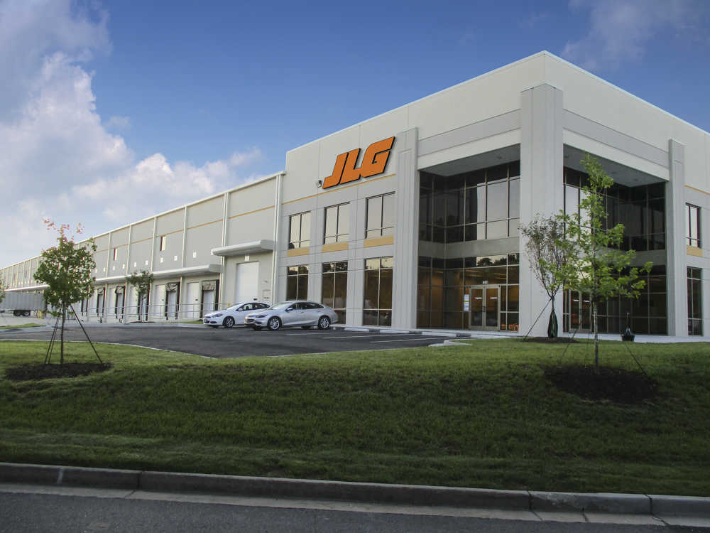 JLG Industries Inc., an Oshkosh Corporation company and a global manufacturer of aerial work platforms and telehandlers, opened its new east coast parts distribution center in Atlanta.