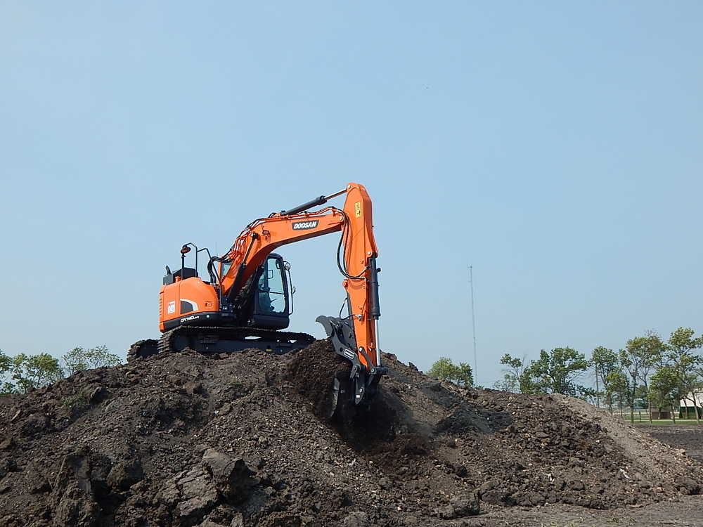 Guests had the chance to learn about equipment and use Doosan excavators and loaders to dig in the dirt.