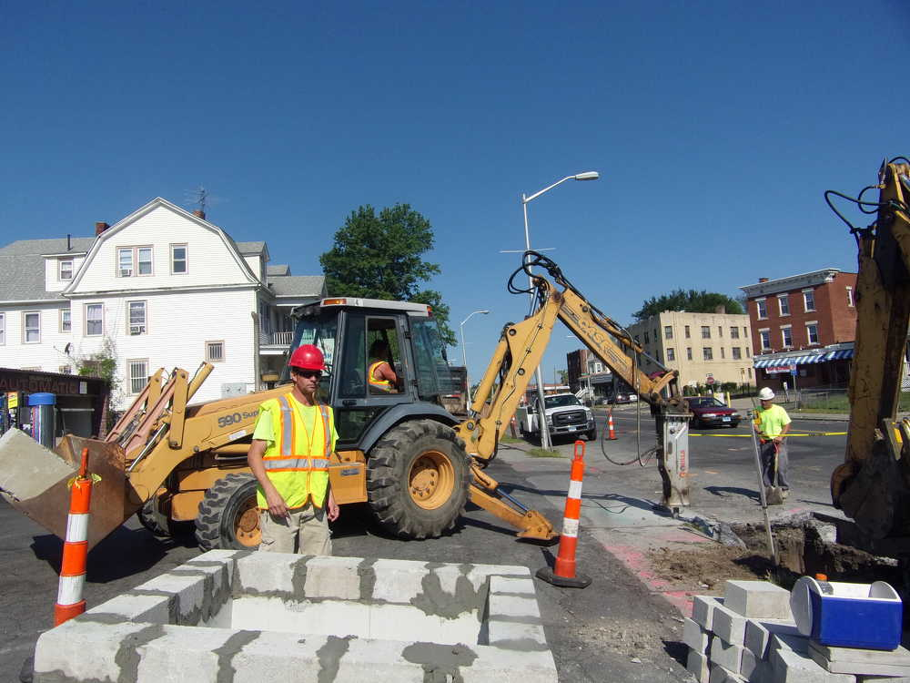 The project consists of operational, safety, roadway and streetscape improvements along Albany Avenue between Homestead Avenue and Bedford Street. (Tectonic photo)