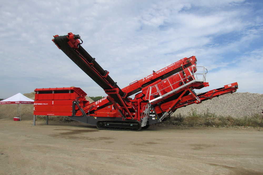 Terex Finlay's 674 inclined screen.
