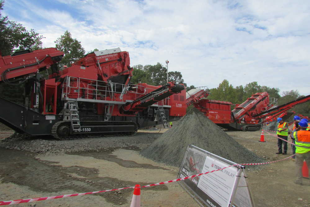 Among the machines on display were the Terex Finlay C-1550 cone crusher and the 684 3-deck inclined screen.