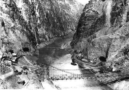 Early construction in Black Canyon. (Photo Courtesy of the Bureau of Reclamation)