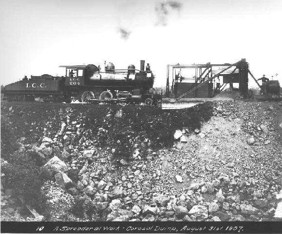 A spreader works at Corozol Dump on Aug. 31, 1907.