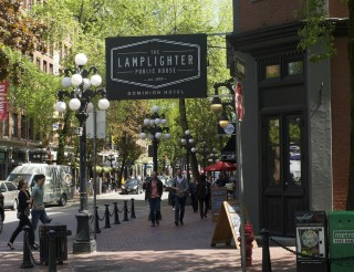 Gastown neighbourhoods vancouver yp nexthome for Lamplighter gastown