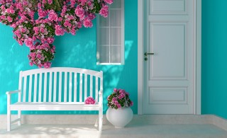 5 easy home staging tips if you're selling this summer
