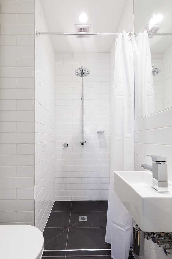 small condo - bathroom