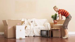 4 moving tips to help you stay sane and save money