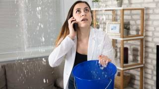 The roof is leaking! What to do in case of an emergency
