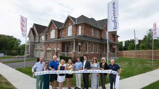 Two new model homes now open at Killarney Beach