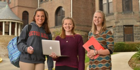 Seton Hill University Named an Apple Distinguished School for 2015-2017