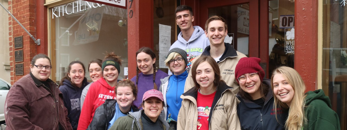 Seton Hill Students Volunteer During Annual Habitat For Humanity Trip