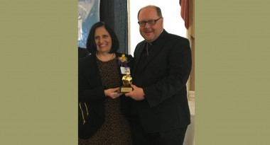 Seton Hill alumna Joette Salandro '77 Receives Golden Apple Award for Teaching Excellence