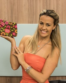 Carol Viana ensina a fazer uma linda bolsa clutch