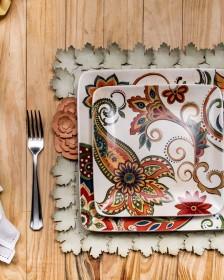 O sousplat e o porta guardanapo de flores deixam a mesa mais elegante, mesmo confeccionados em papel! Aprenda a fazer e surpreenda suas clientes!
