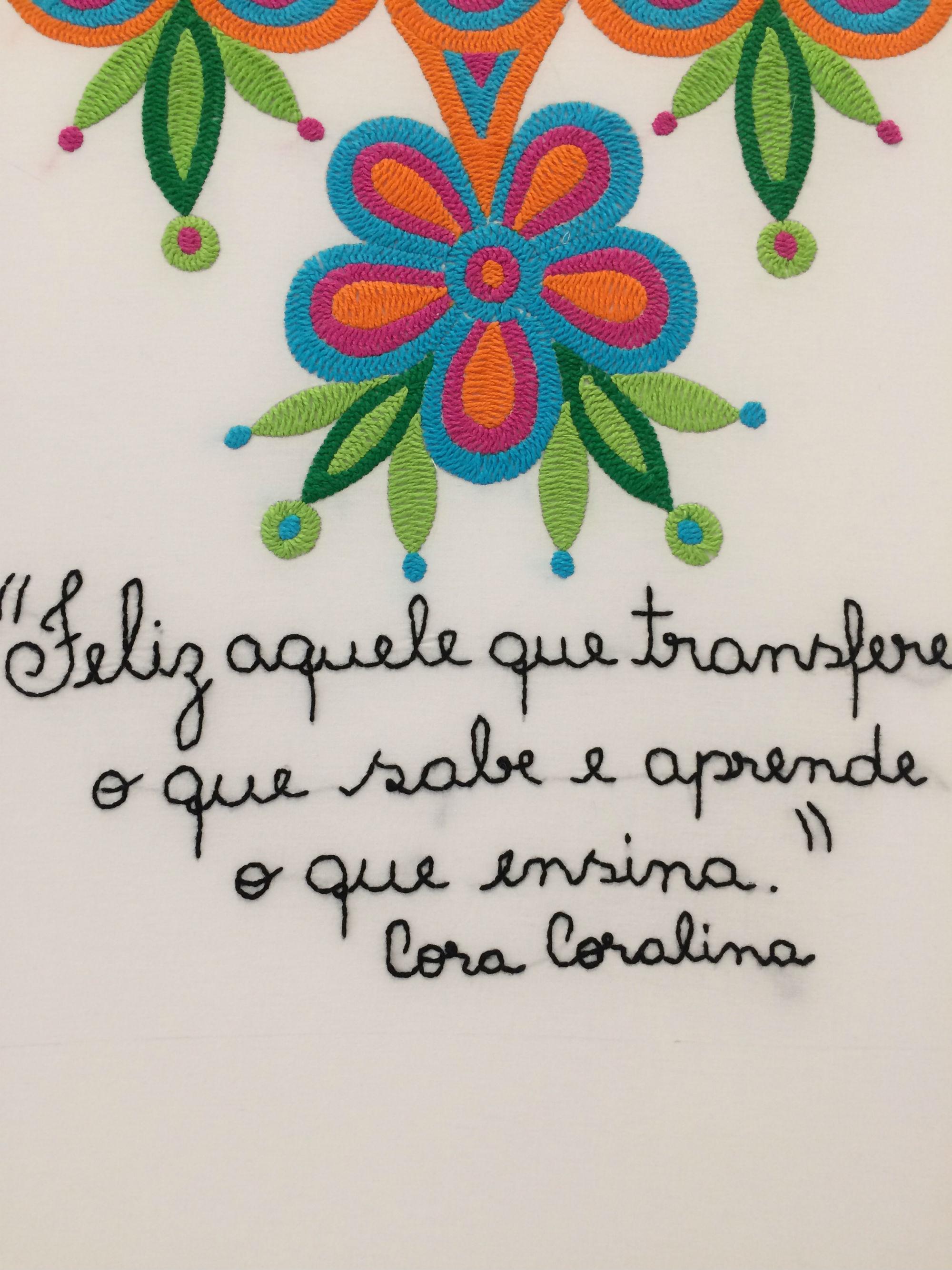 Internos e internas do sistema prisional da cidade de Goiás, resgatam o bordado em programa do Projeto Cabocla que proporciona capacitação e geração de renda: poesia de Cora Coralina em bordado livre