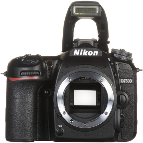 Nikon D7500 20.9MP DSLR Camera with 18-300mm VR Lens