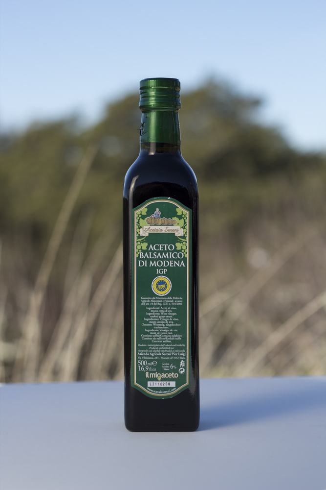 Acetaia Sereni Aceto Balsamico di Modena, IGP, Etichetta Verde, 500 ml An everyday Balsamic with a fantastic value - Beaune Imports