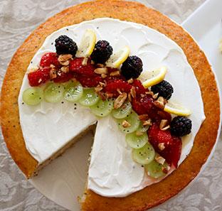 Fruit & Yogurt Smoothie Bowl Cake