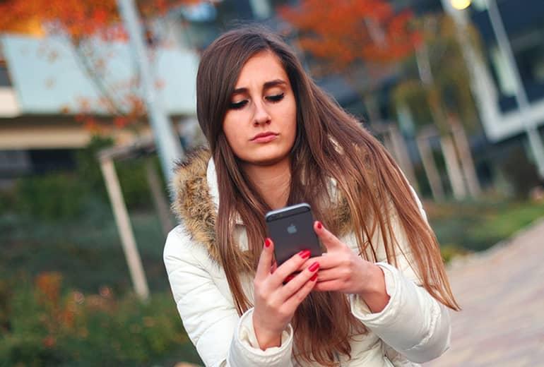 """Facebook imitará el aviso: """"Está escribiendo…"""" de WhatsApp"""