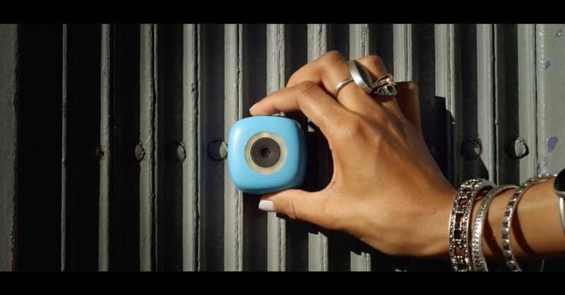 Una cámara pegajosa pretende desbancar al selfie stick