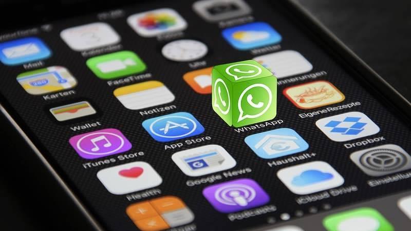 ¡Atención! Una nueva estafa con el modo oscuro de WhatsApp