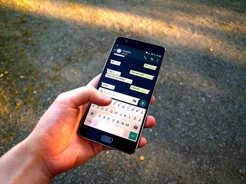 Whatsapp ahora te localiza online