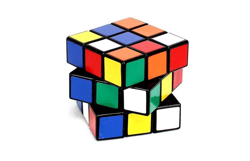 El cubo Rubik que se arma solo