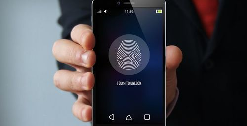 WhatsApp for iOS allows you to unlock the app through facial or touch recognition