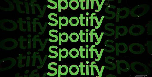 Now you can save only the episodes that interest you on Spotify