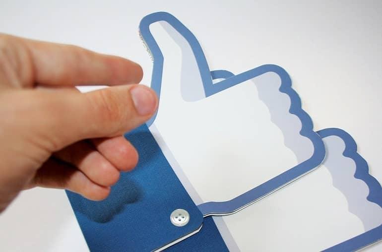 """""""Estoy Bien""""  … el nuevo estado de Facebook"""