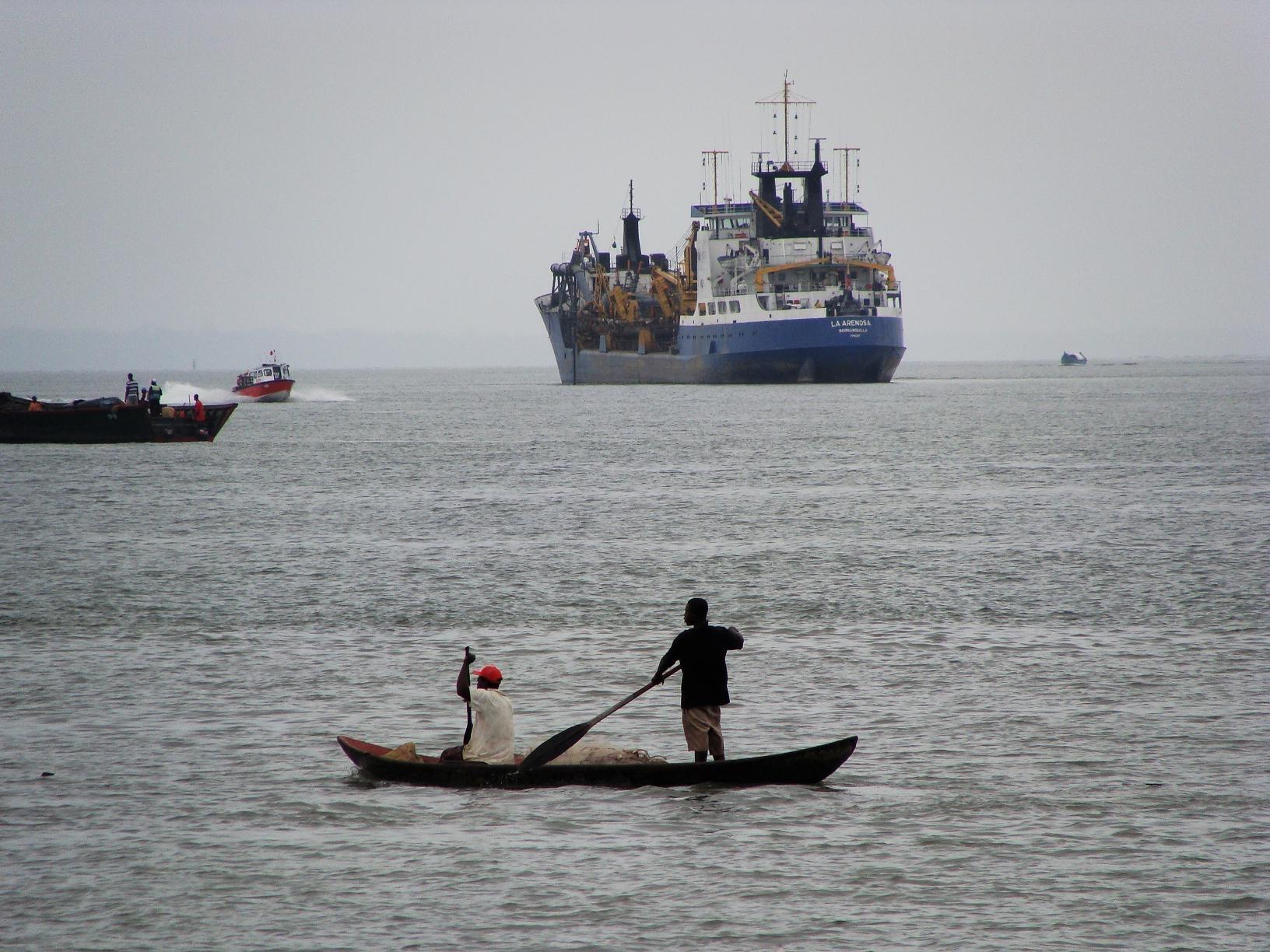 Los pescadores ilegales están acabando con los mares colombianos