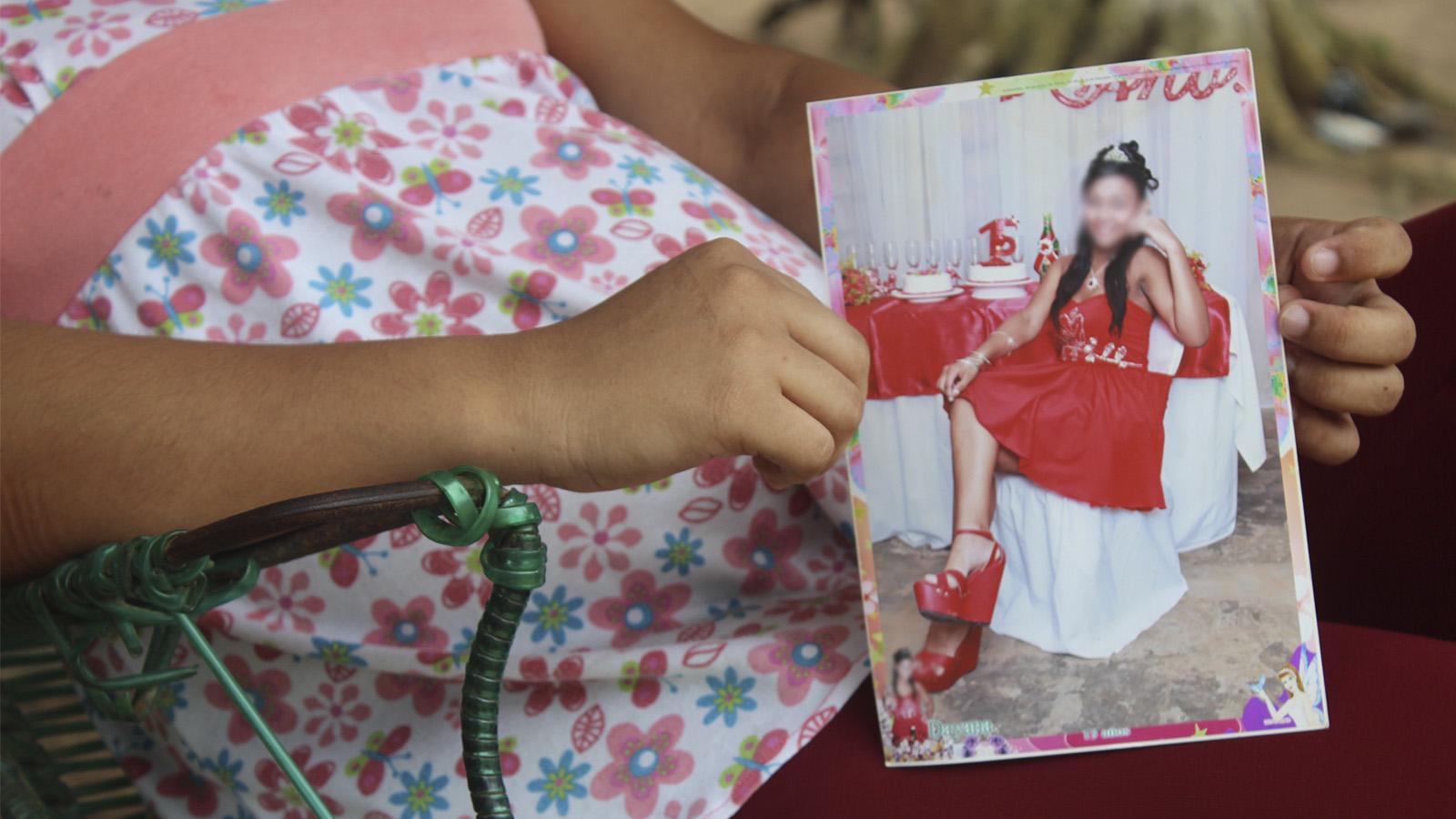 Joven y embarazada en un municipio de Colombia