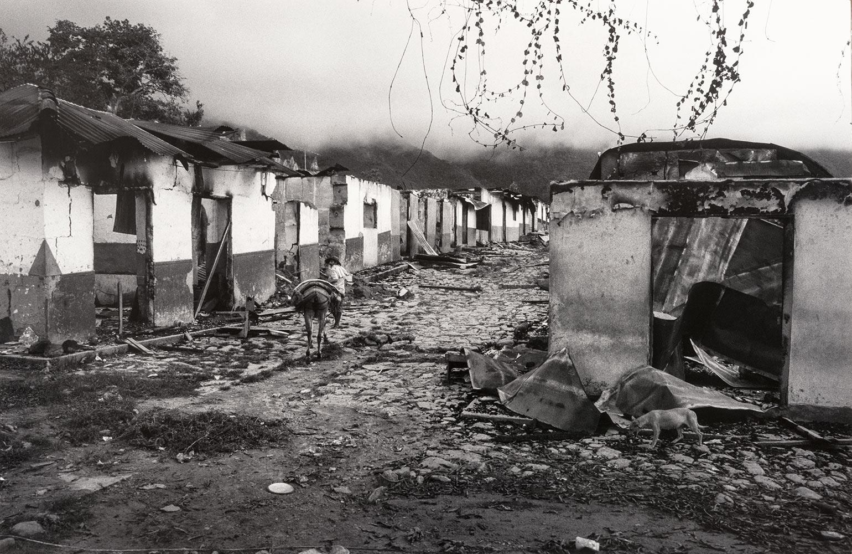 La guerra que mi hija no recuerda: un relato de la masacre de El Aro