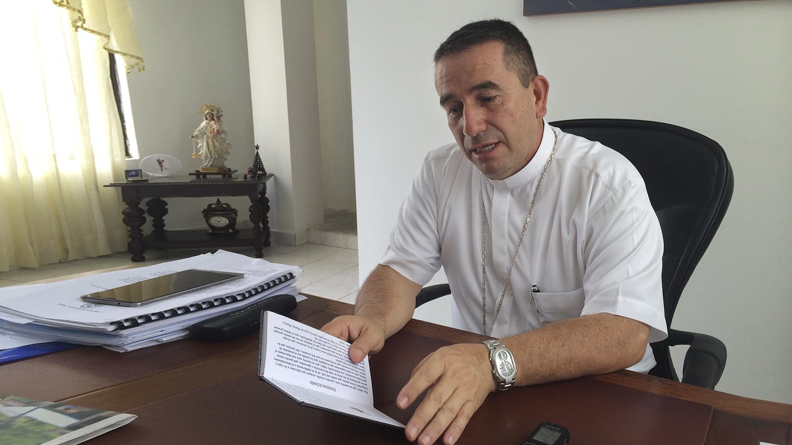 """""""Si seguimos polarizados vamos a terminar peor"""": obispo de Buenaventura"""