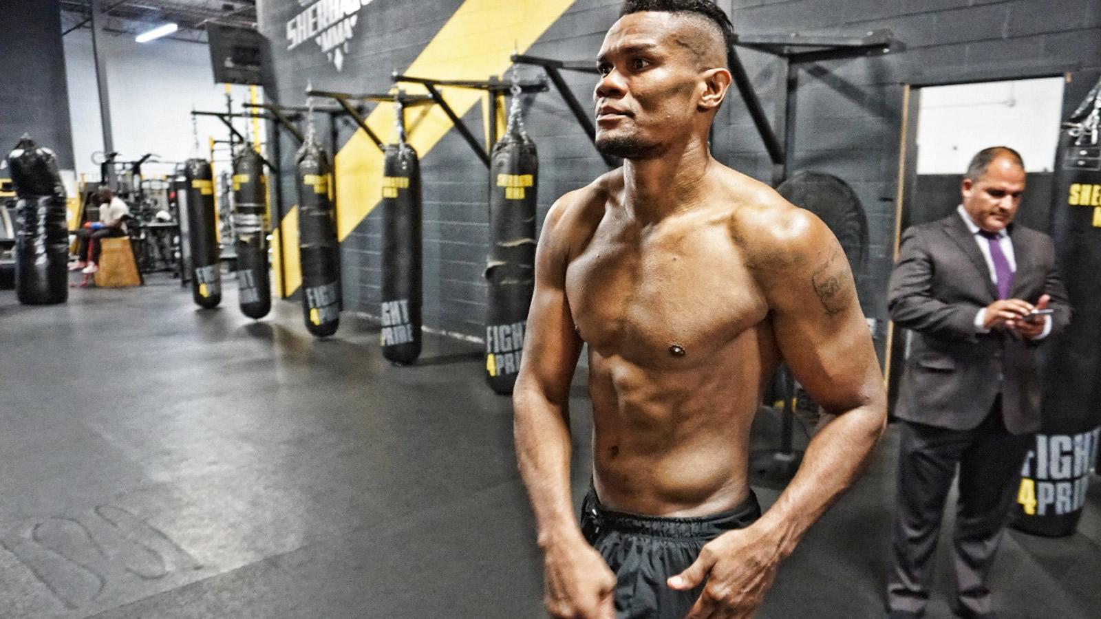 Eleider Álvarez, el campeón mundial de boxeo que no olvida a su Apartadó