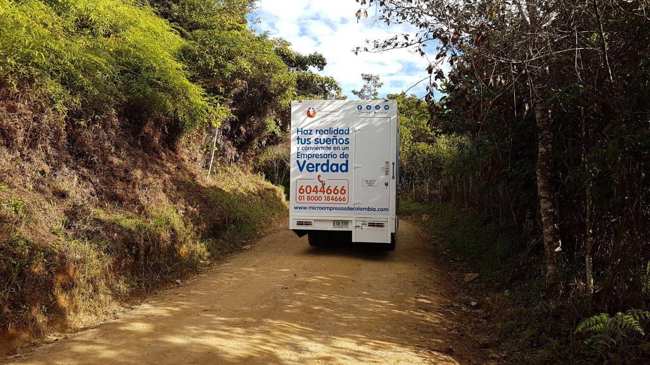 La 'deuda' por bancarizar el campo colombiano