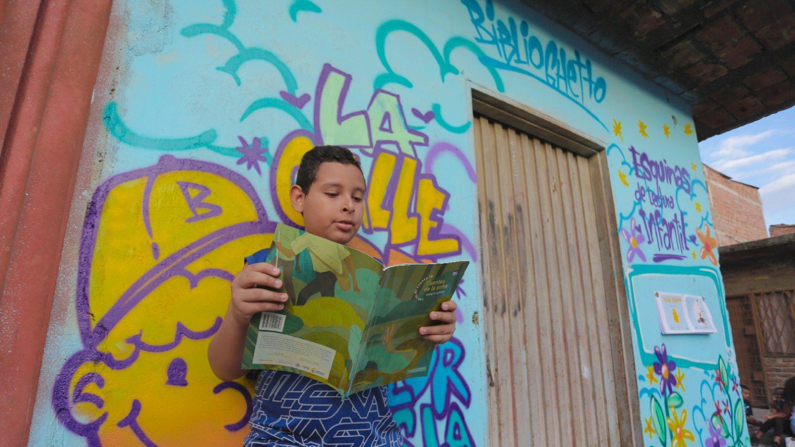 historias/colombia/biblioghetto-la-prueba-de-que-los-libros-les-pueden-ganar-a-las-balas