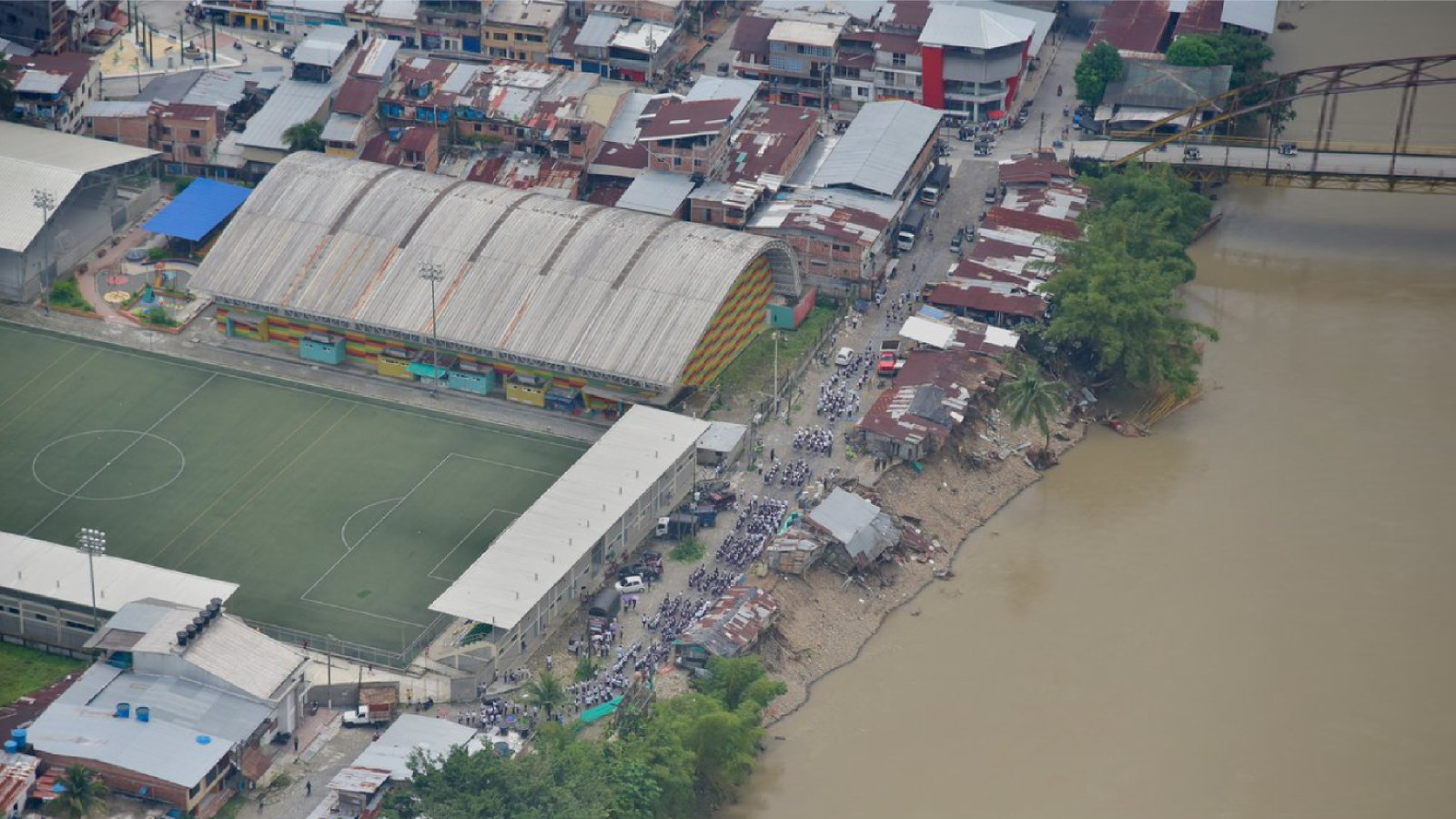 El factor humano que también está inundando al Chocó