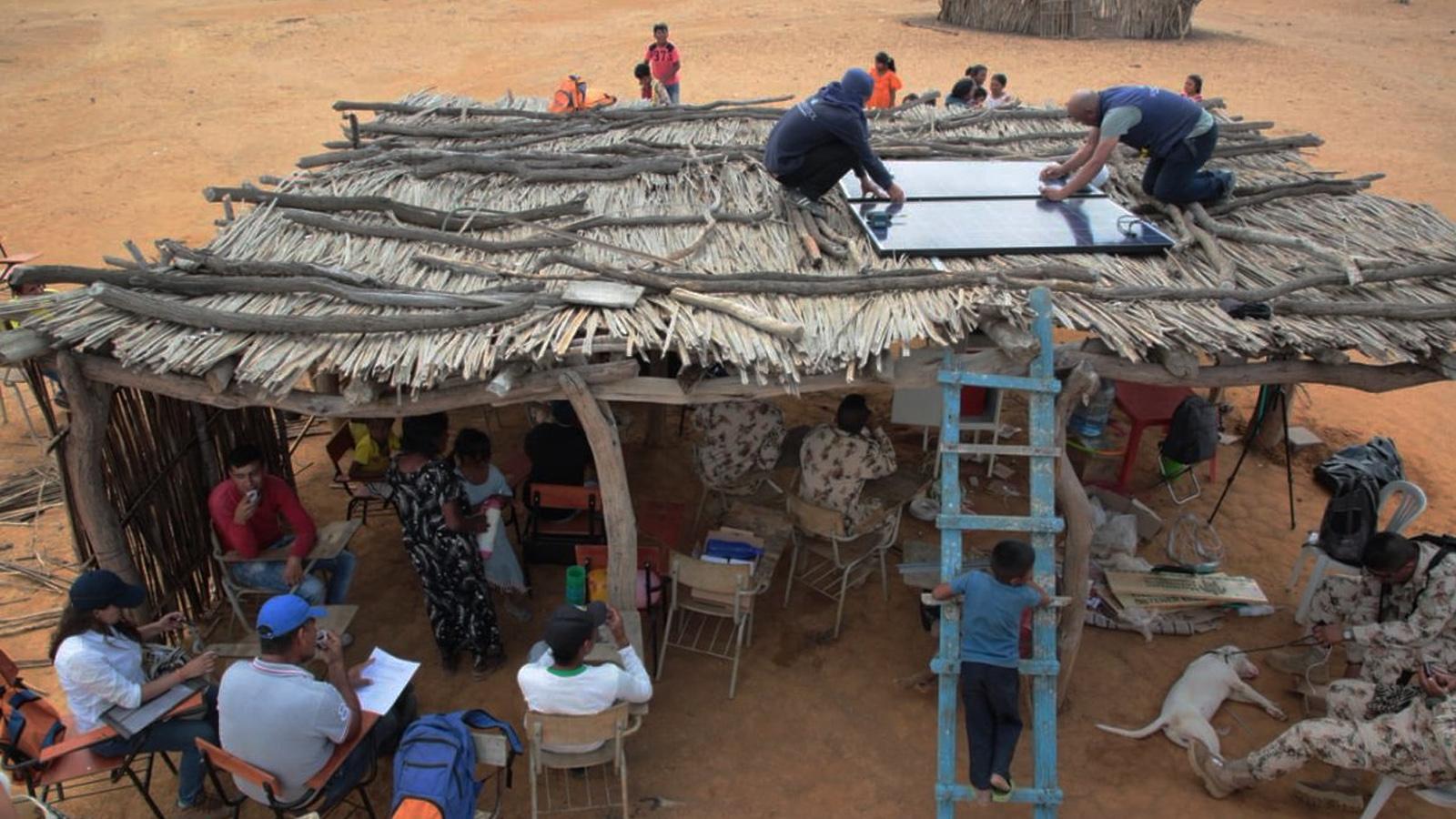 Los paneles solares que están transformando la última esquina de Colombia