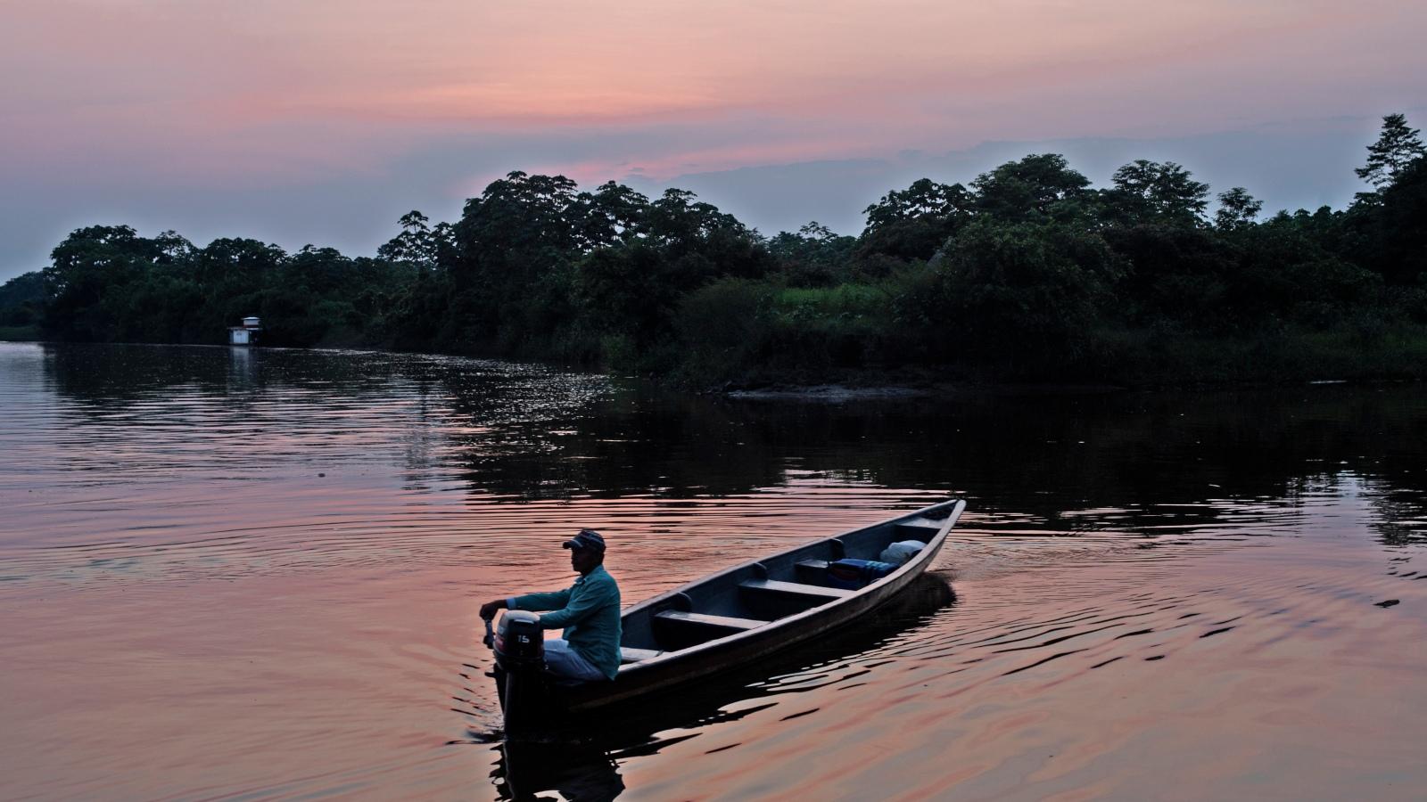 Los jóvenes que 'amarraron' el río Caquetá