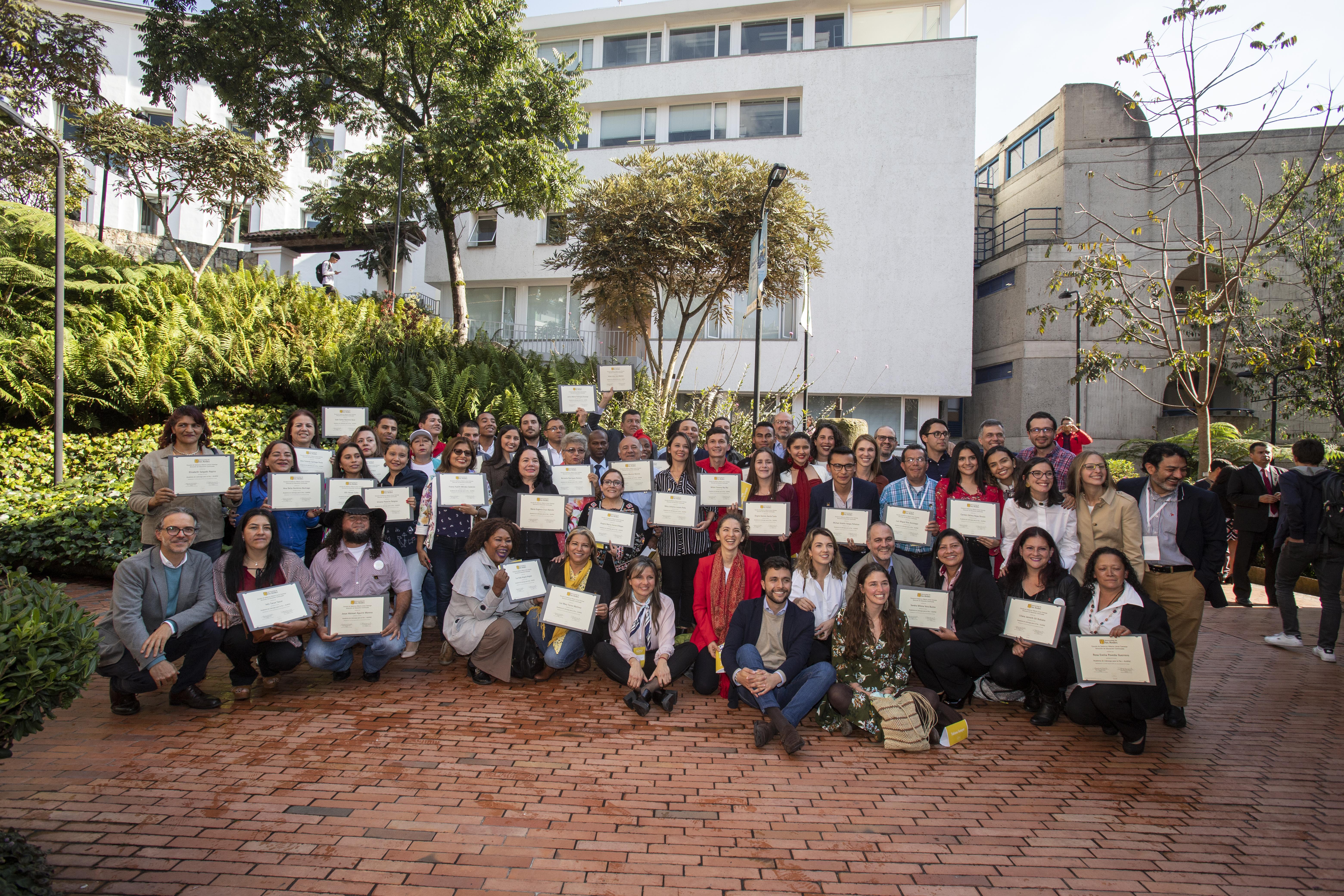 U. de los Andes graduó promoción de replicadores de paz