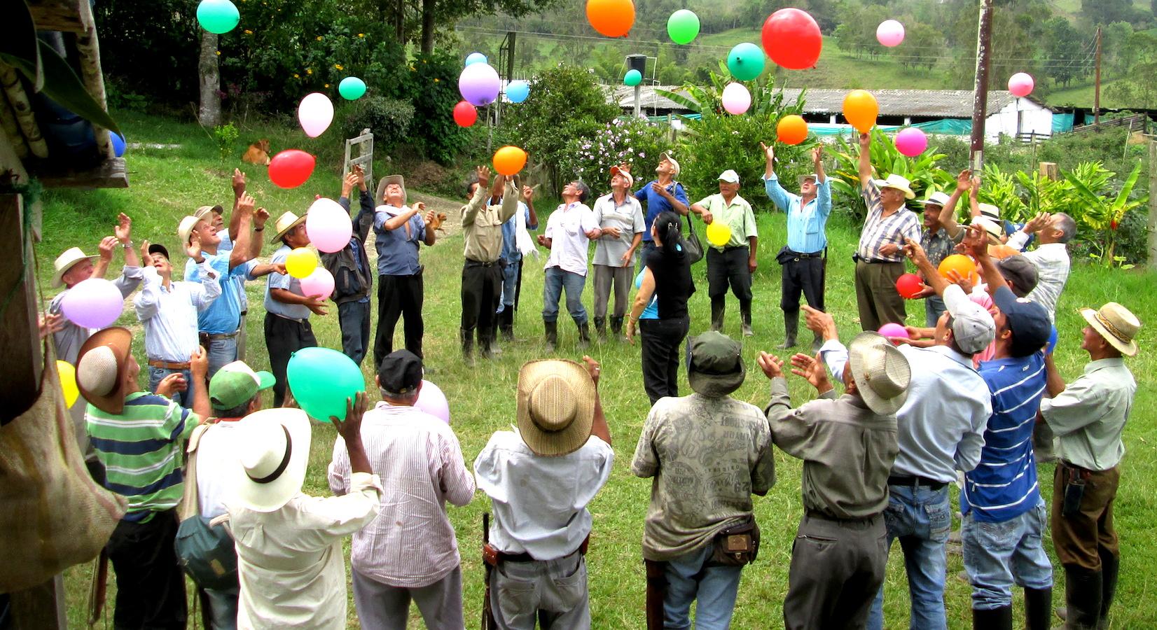 reportajes/valle-del-cauca/iglesia-catolica-en-el-valle-del-cauca-se-ingenio-la-manera-de-reactivar-el-campo-generar-impacto-social-y-resolver-el-problema-del-envejecimiento-de-la-mano-de-obra-rural