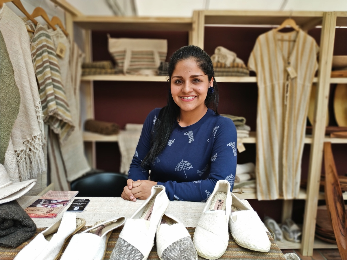 Charalá, el pueblo donde las mujeres cultivan, hilan y tejen el algodón orgánico