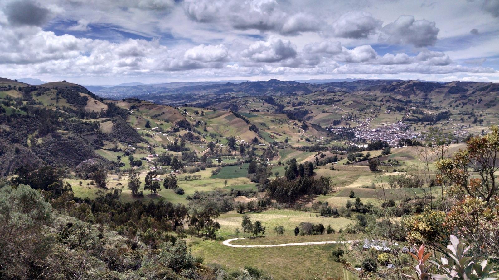 ¿Cómo garantizar el acceso a la tierra en el campo colombiano?