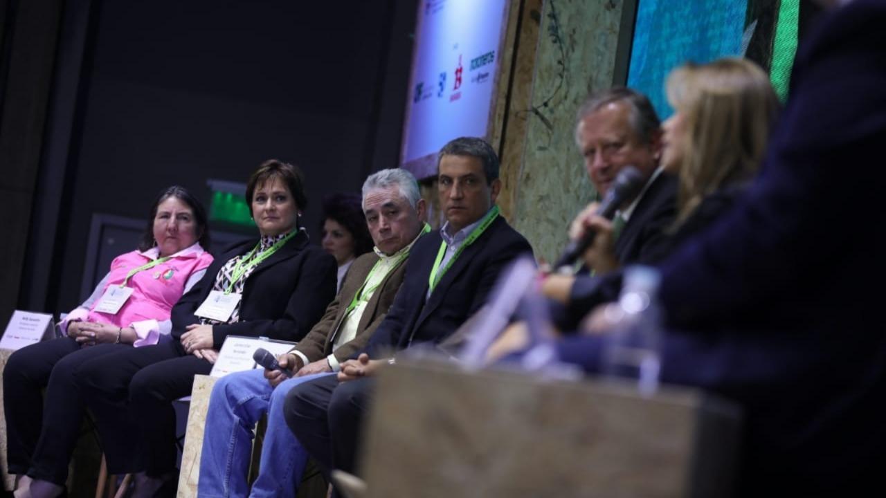historias//alianzas-productivas-entre-el-campo-y-empresas-comerciales-en-la-gran-cumbre-colombia-rural-