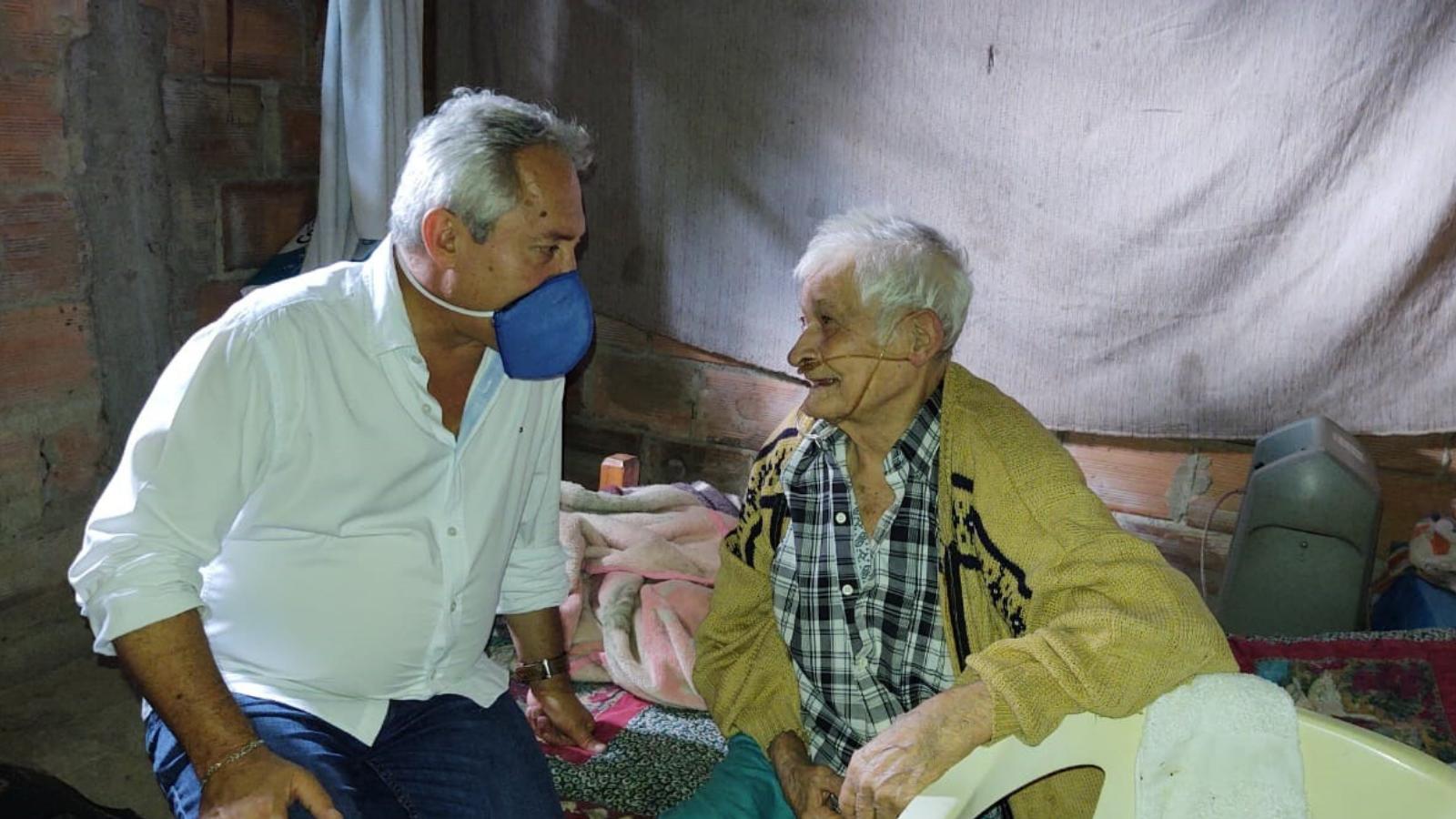 historias/cundinamarca/en-la-pena-auxilios-a-domicilio-para-los-adultos-mayores