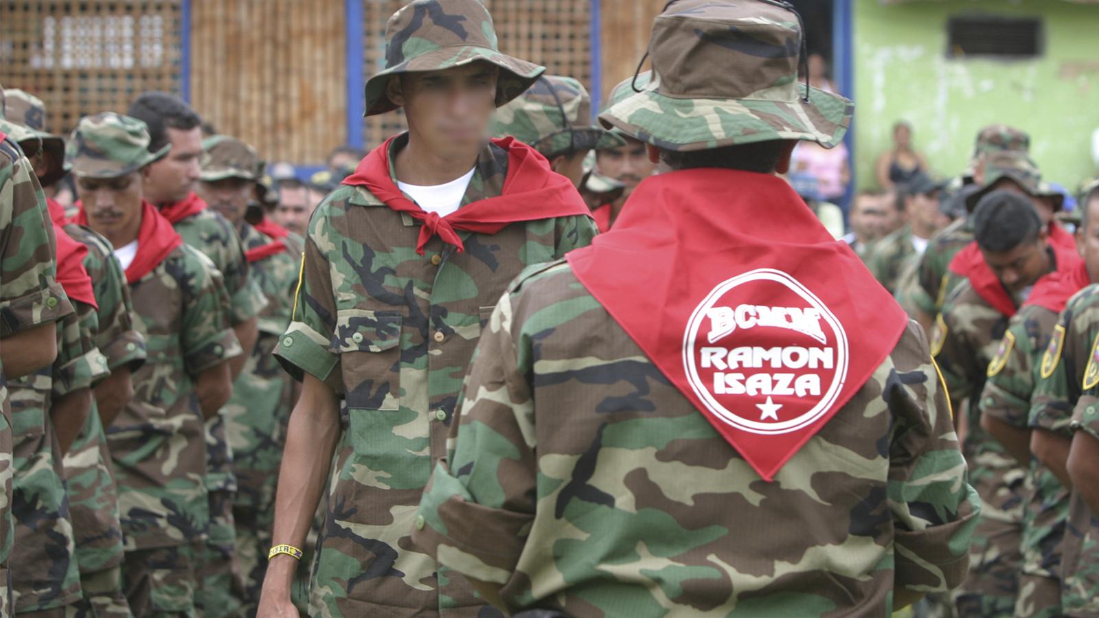 Nuevo informe revela la violencia paramilitar de la familia Isaza