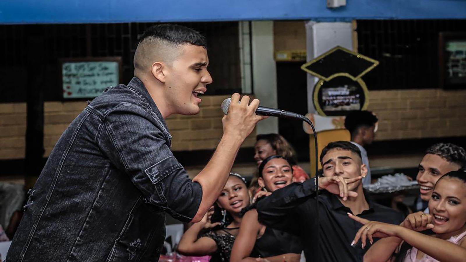 El joven urabaense que conquista los premios musicales del país