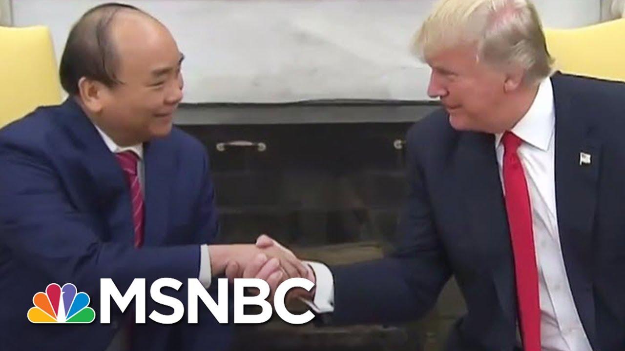 President-Donald-Trump-Meets-Vietnam-Prime-Minister-Phuc