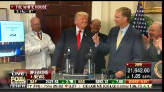 AMAZING-President-Trump-Exerts-1000-Pounds-of-Pressure-on-Device-in-WH-Product-Demo
